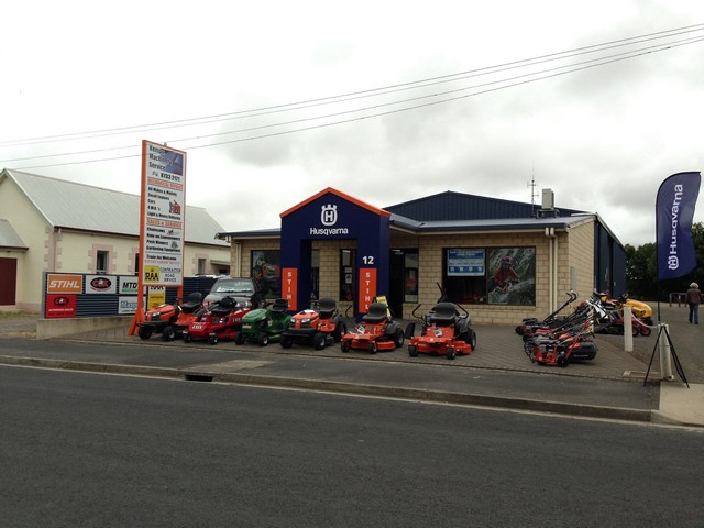 Kemps-Machinery-Service-Auto-Repairs-Front-Store.jpg