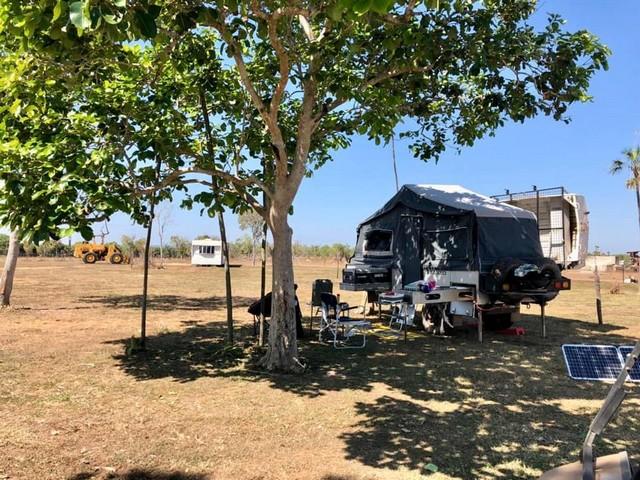 Camping-at-Two-Jays-Caravan-and-Camping