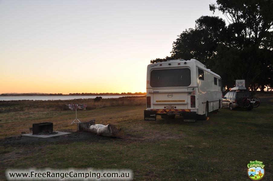 lake-colac-free-camp