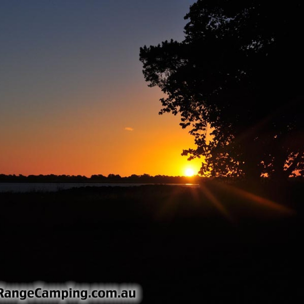Lake Colac, Full Range Camping