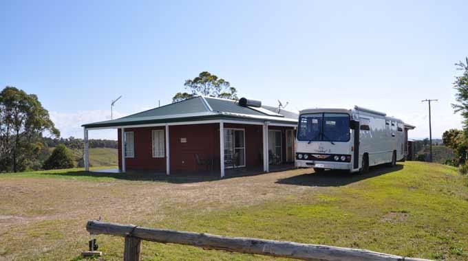 camping australia free low cost camps caravan parks. Black Bedroom Furniture Sets. Home Design Ideas