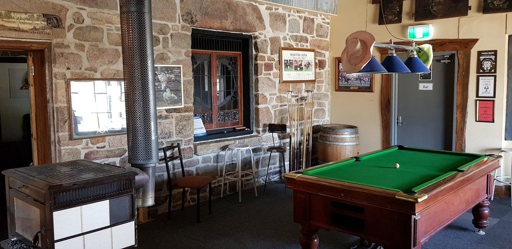 The Deepwater Inn is Now The Longhorn Bar And Grill