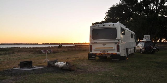Updated 2020: Meredith Park, Lake Colac, VIC – Free Camp